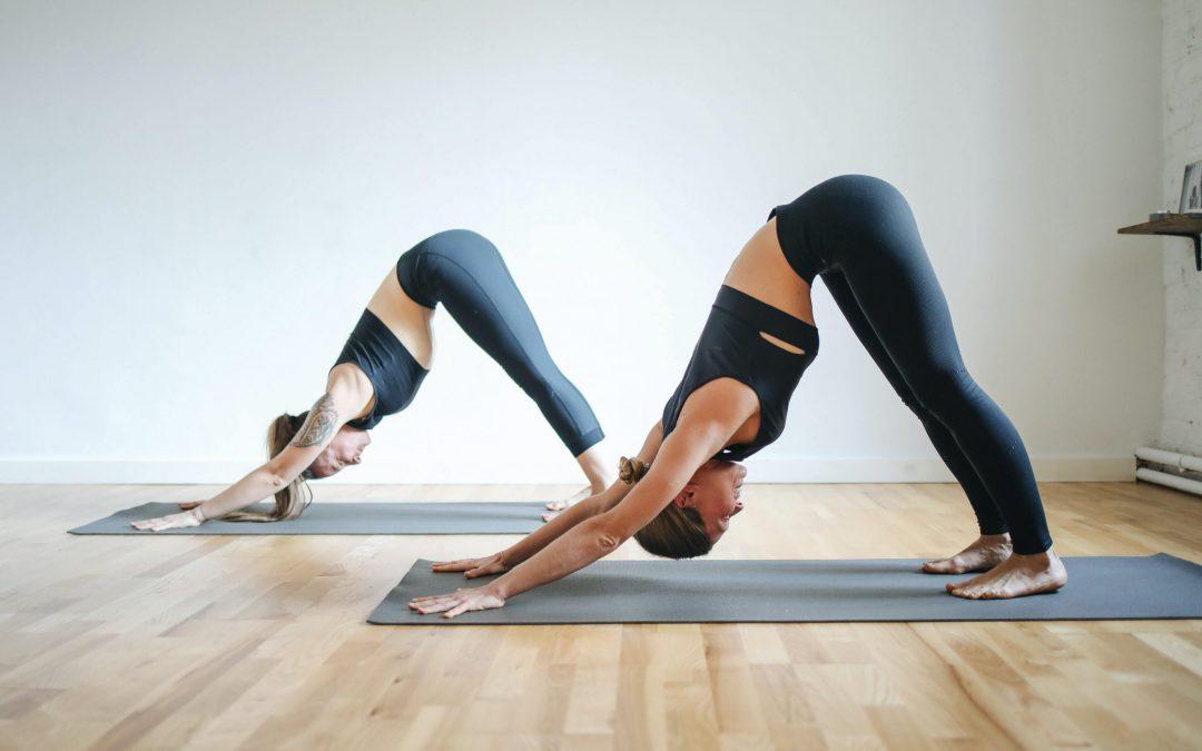 Le Yoga au Travail : 5 Bonnes Raisons de le Pratiquer !